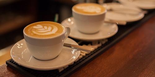 カフェインが口臭の原因になる?